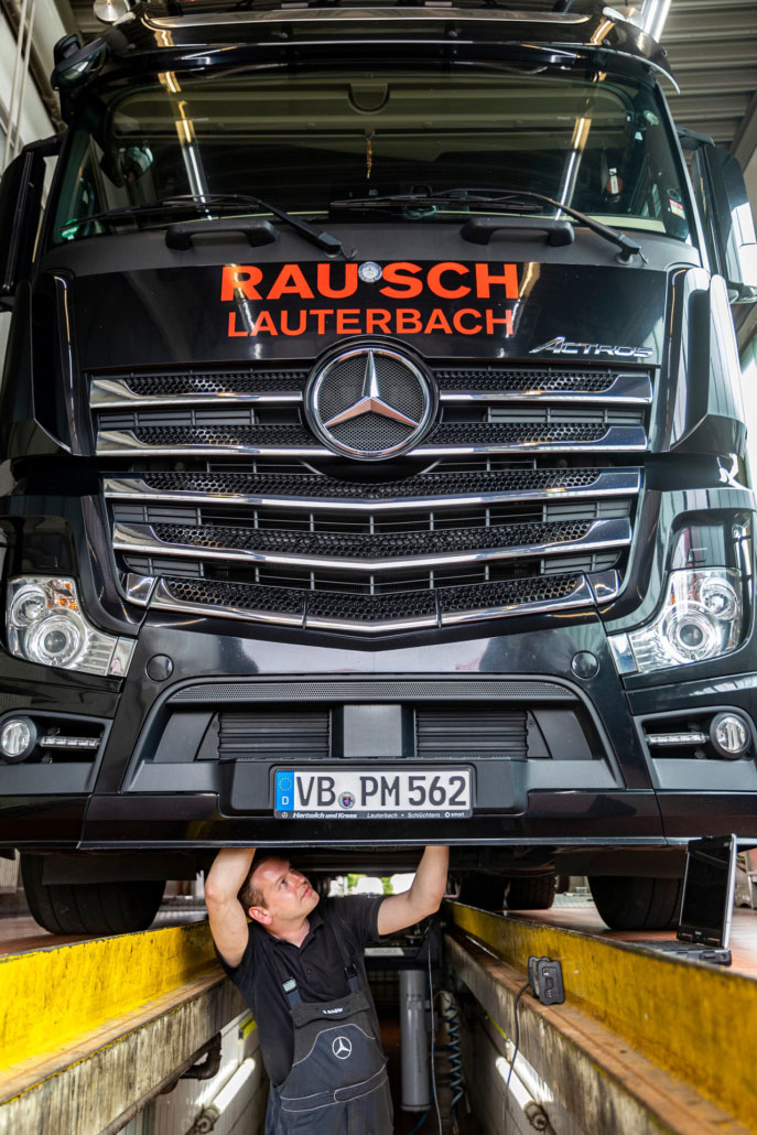 Mercedes LKW Montage
